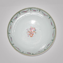 Famille-rose export porcelain bowl (top), China, 18th century [thumbnail]