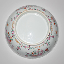 Famille-rose export porcelain bowl (base), China, 18th century [thumbnail]