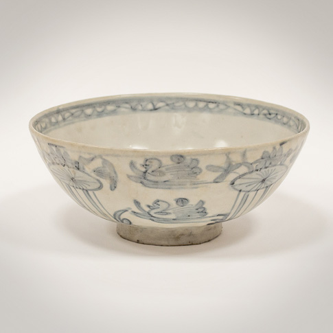 Swatow blue and white porcelain bowl, China, Ming Dynasty, Wanli period (1573-1619)