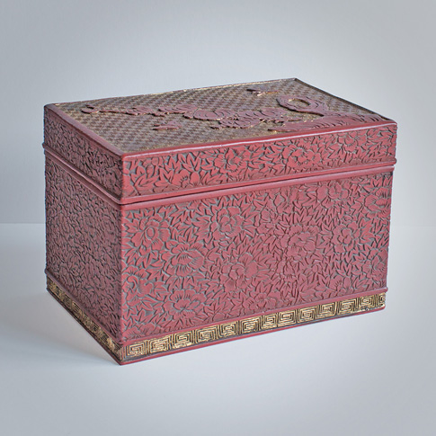 Cinnabar and gold coloured lacquer box, Ryukyu Islands, 18th century
