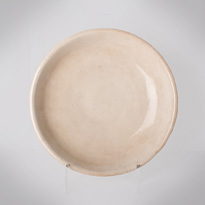 Blanc de chine white glazed pottery dish - China, 17th century