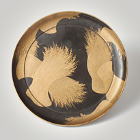 An unusual shaped lacquer tripod dish, Japan, Edo Period, 18th century [thumbnail]