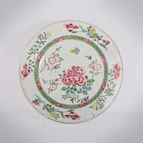 Famille rose export porcelain plate, China, Qianlong period, circa 1730-1760 [thumbnail]